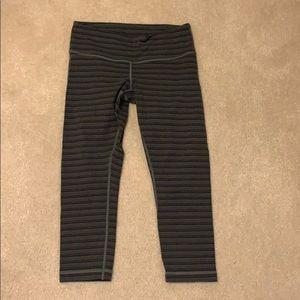 Lululemon cropped legging, gray stripe, size 6